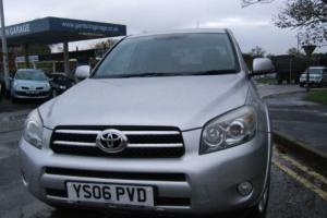 Toyota Estate RAV-4 T180 D-4D Photo