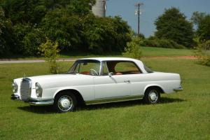 Mercedes-Benz : 200-Series 1962 Mercedes Benz 220SE Coupe W111 Coupe