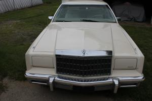 Chrysler : New Yorker 5th Ave. Brougham
