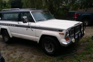 Jeep : Cherokee 2 door suv.