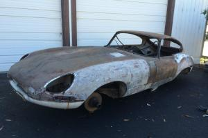 Jaguar : E-Type two door