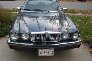Jaguar : XJ6 Base 4-door sedan Photo