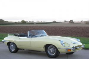 1969 Jaguar 'E' TYPE S2 4.2 Roadster - Primrose Yellow