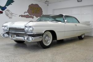 Cadillac : DeVille Series 62 Coupe