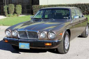 Jaguar : XJ6 Vanden Plas, One Owner