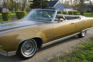 Oldsmobile : Ninety-Eight 98