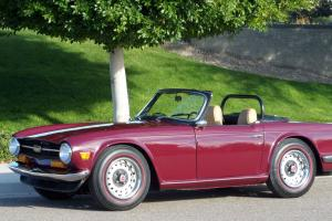 Triumph : TR-6 TR6 TR-6 Triumph convertible Photo