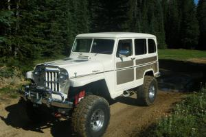 Willys : Wagon 4x4