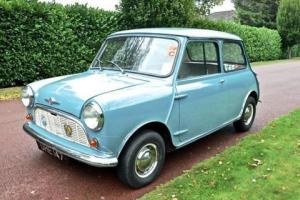 1960 Morris Mini Minor Deluxe Photo