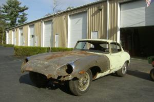 Jaguar : E-Type Series II Fixed Head Coupe