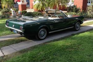 Ford : Mustang Pony Package