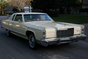 Lincoln : Town Car TOWN COUPE - MOONROOF - 51K MILES