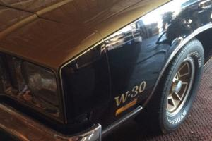 Oldsmobile : Cutlass Gold