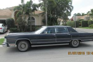 Lincoln : Town Car BLUE