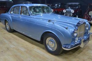 1962 Bentley S2 Continental Flying spur by H.J. Mulliner. Photo