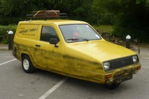 RELIANT RIALTO VAN 1983 - DEL BOY / ONLY FOOLS & HORSES REPLICA VAN AWESOME Photo