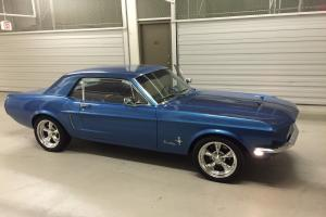Ford : Mustang Coup