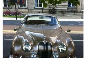 Jaguar Mk.2 manual  Photo