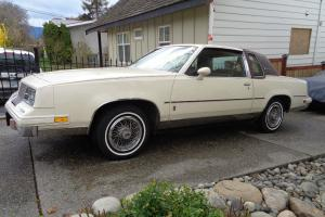 Oldsmobile : Cutlass Brougham Photo