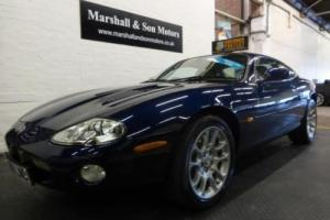 2001 Y JAGUAR XKR 4.0 XKR 2D AUTO 370 BHP Photo