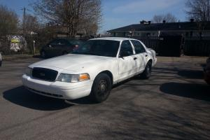 Ford : Crown Victoria