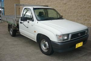 Toyota Hilux Workmate 1999 CAB Chassis Manual 2L Electronic F INJ Seats in Allambie Heights, NSW