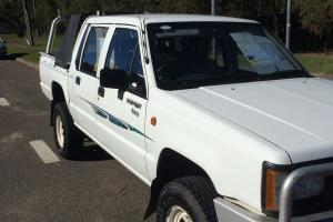 Mitsubishi Triton 1995 Dual CAB UTE Manual 2 5L Diesel Seats in Bateau Bay, NSW