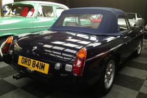 MGB ROADSTER MIDNIGHT BLUE