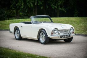 1965 Triumph TR4 Photo