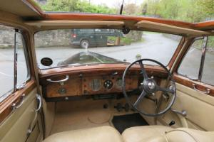 1947 Bentley MK VI 4 door Saloon B119BG