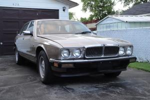 Jaguar : XJ6 Sovereign Sedan 4-Door