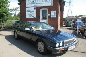 1996 P reg Daimler XJ Series 4.0 ( LWB ) Auto Six Sapphire Blue & Ivory Hide Photo