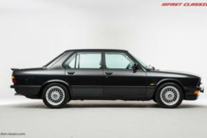 BMW E28 M5 // Diamantschwarz Metallic // 1986