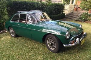 MG MGB GT 1971 British Racing Green ONE Family Owner Overdrive Wire Wheels Photo