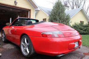 Porsche : 911 Carrera Convertible 2-Door
