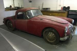 1960 MGA RHD Coupe Photo