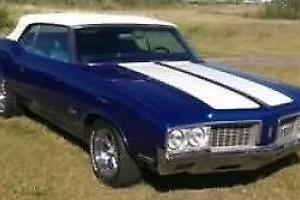 Oldsmobile : Cutlass Supreme Convertible