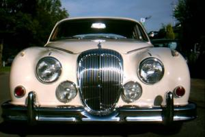 Daimler 2.5 V8 V250 JAGUAR Mark 2