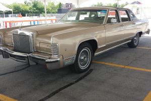 Lincoln : Continental Town Car
