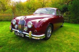 1963 Jaguar MK II Photo