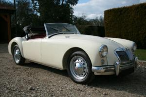 MG MGA 1500 Mk1 Roadster Concours Photo