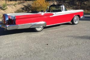 Ford : Galaxie Sunliner
