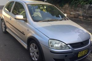 Holden Barina SRI 2002 3D Hatchback Manual 1 8L Multi Point F INJ 5 Seats
