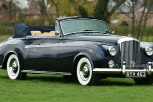 1955 Bentley S1 Convertible James Young. Photo