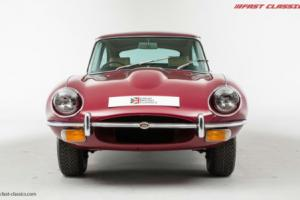 Jaguar E-Type 4.2 FHC // Regency Red // 1969 Photo