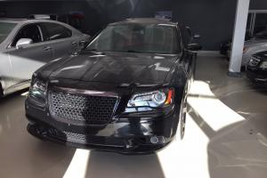Chrysler: 300 Series SRT-8