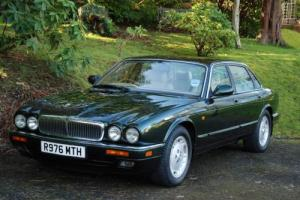 JAGUAR XJ 3.2 EXECUTIVE AUTOMATIC / METALLIC SHERWOOD GREEN / ONLY 64000 MILES Photo