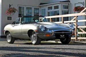 JAGUAR E-TYPE Series II LHD Roadster 4.2 1969 Petrol Manual in Silver Photo