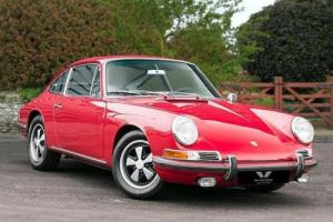 PORSCHE 911 CLASSIC S LHD 1967 Petrol Manual in Red