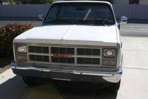 1984 GMC SIERRA 2500 V8 AUTO PICK-UP